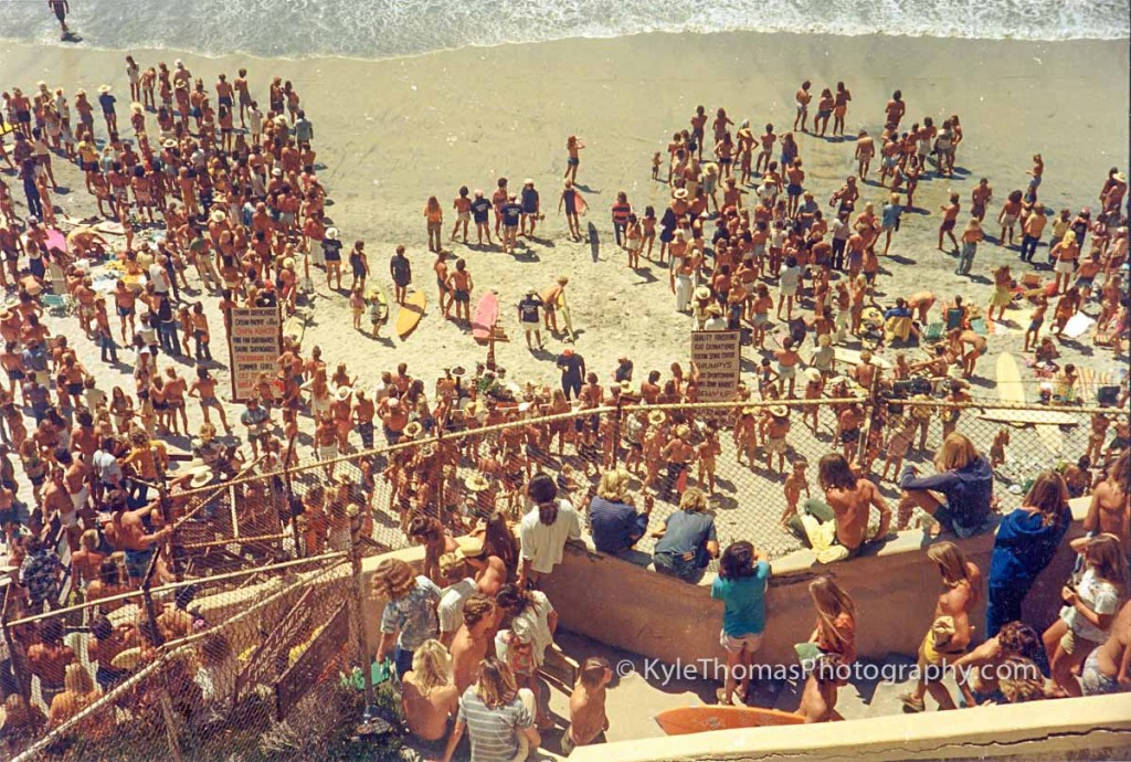 1975-Encinitas-Stonesteps-Surfing-Contest-Crowd-Kyle-Thomas-Photography