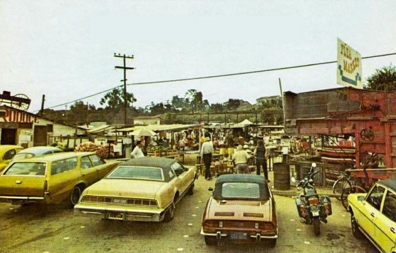 Leucadia-Flea-Market-Peddlers-Village-Old-Postcard