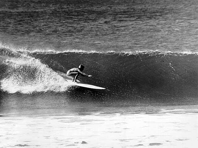 Surfer-Linda-Benson-1962-Photo-Leroy-Grannis