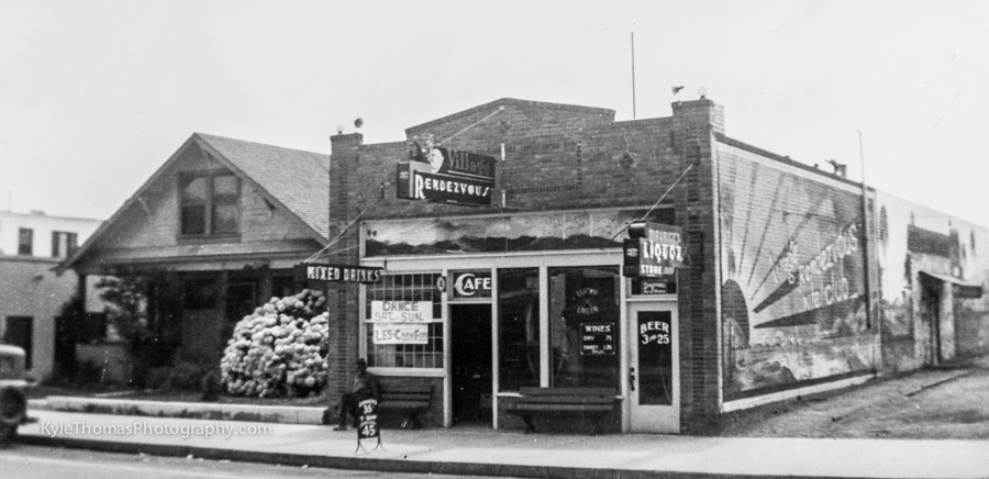 c.1936-The-Village-Rendezvous-and-Maurice's-Liquor-Store-Encinitas